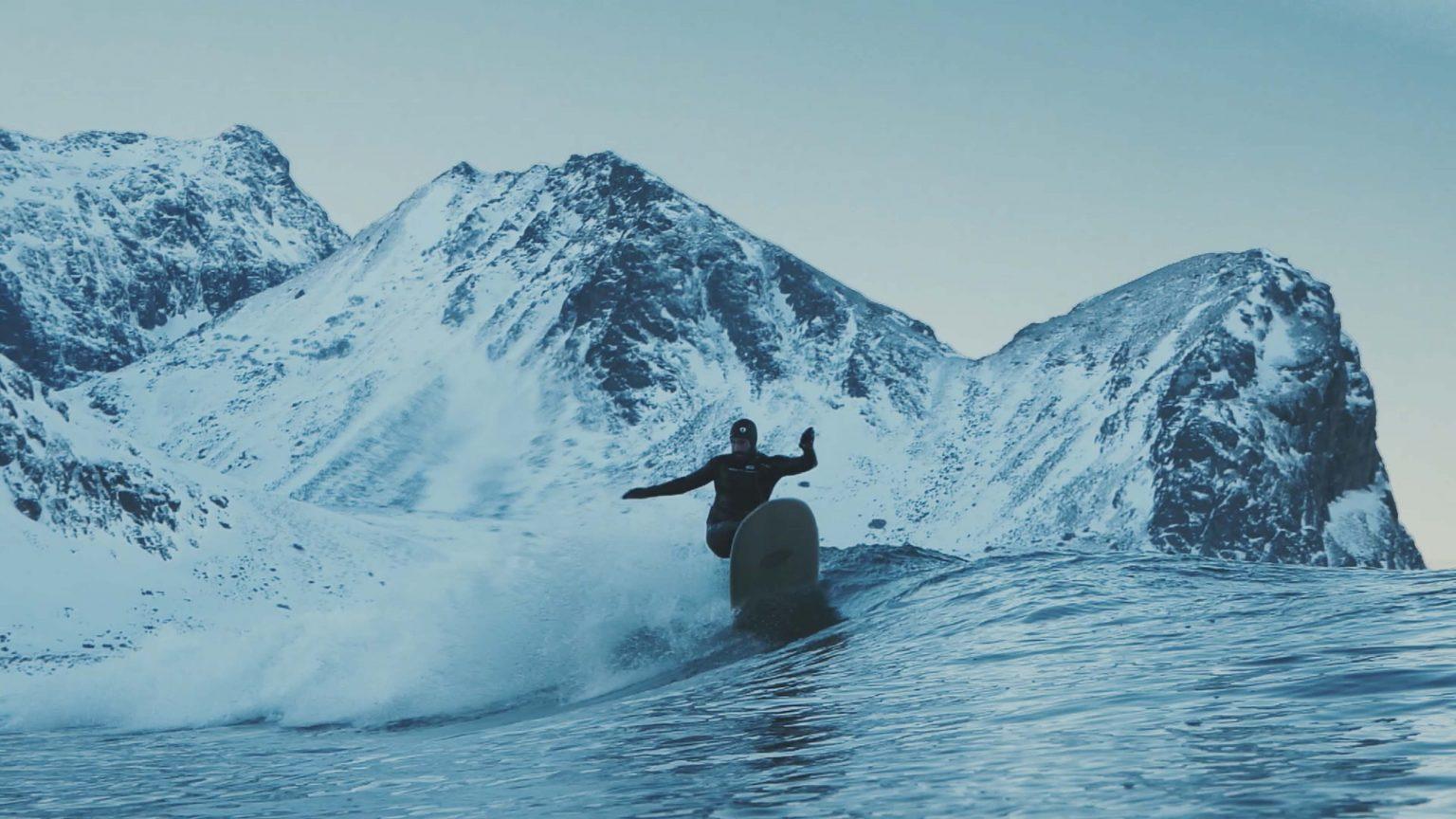 lofoten-surf-damien-castera-pierre-frechou-outdoor-cameraman